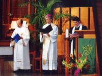 岡田武夫大司教(中)宮崎保司神父(左)真壁巌牧師(右)