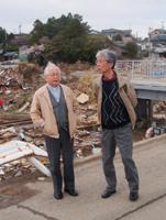 (左)仙台教区 平賀徹夫司教(右)岡田武夫大司教