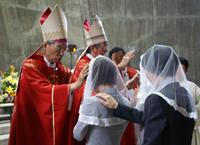 左より岡田武夫大司教 幸田和生補佐司教