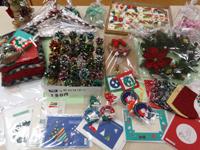 クリスマスグッズの数々(お問合せは東京カリタスの家まで)
