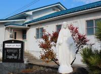 屋根の修復を終えた二本松教会