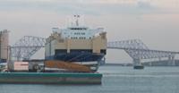 東京港15号地埠頭に停泊中の同船