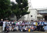 巡礼ウォーク出発地高円寺教会での記念撮影